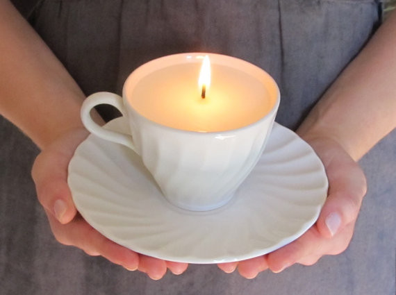 content_Fix_Scratched_Dishes_DIY_Teacup_Candles