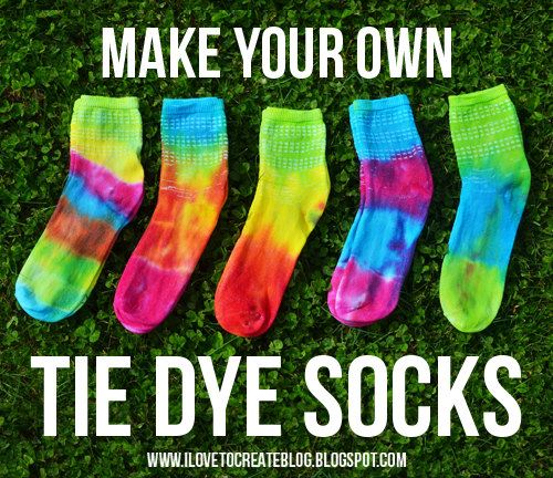 make-your-own-tie-dye-socks-grass
