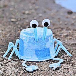 Plastic-Tub-Crab-Craft-250