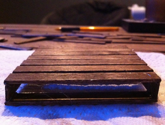 how-to-make-a-pallet-coaster_05