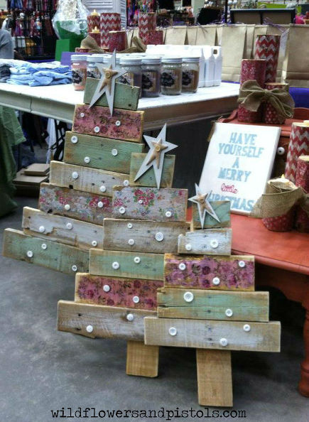 pallet-wood-christmas-trees-christmas-decorations-painted-furniture-pallet