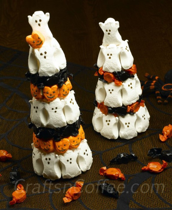 halloween-peeps-topiary