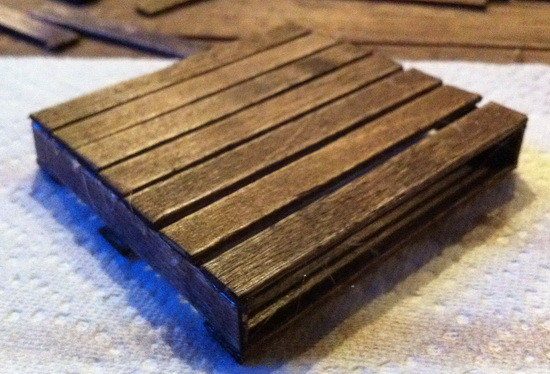 how-to-make-a-pallet-coaster_07