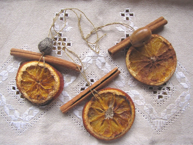 Dried Orange and Cinnamon Sticks Ornaments