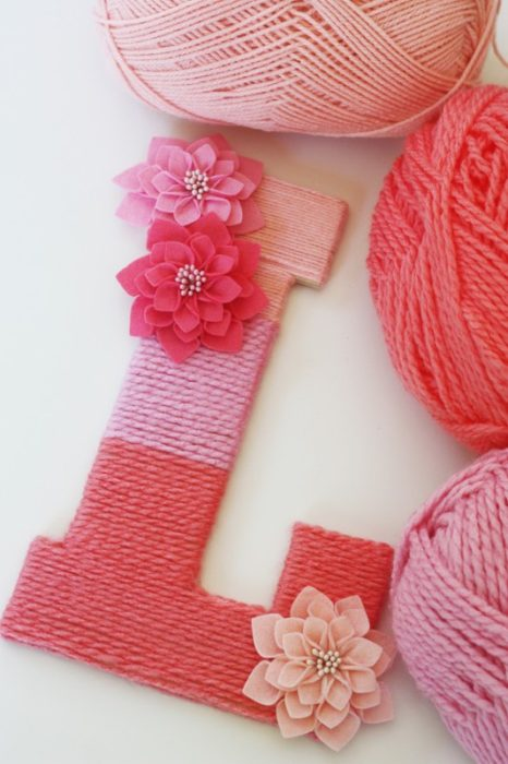 DIY How to Make a Yarn Wrapped Ombre Monogrammed Letter
