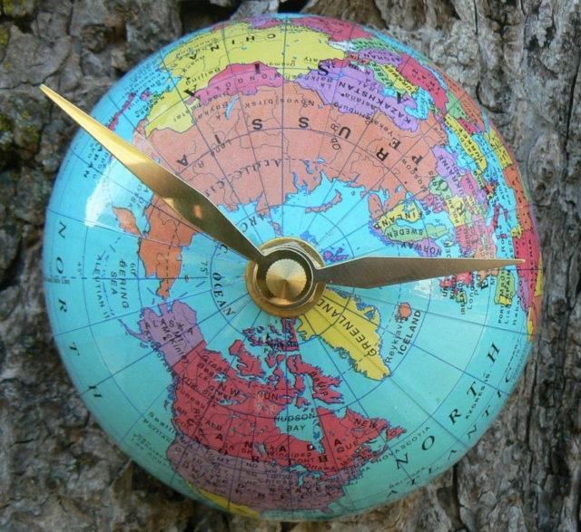 half-globe-clock-northern-hemisphere